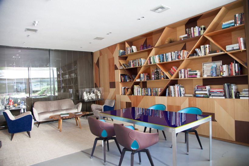 Hotel Vik Chile Library