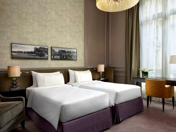 The Westin Paris Vendme Room With A View Guest Room 2 Twin Single Bed(S) Eiffel Tower View