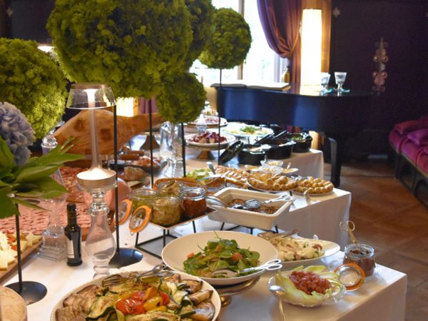 Villa Cora Brunch