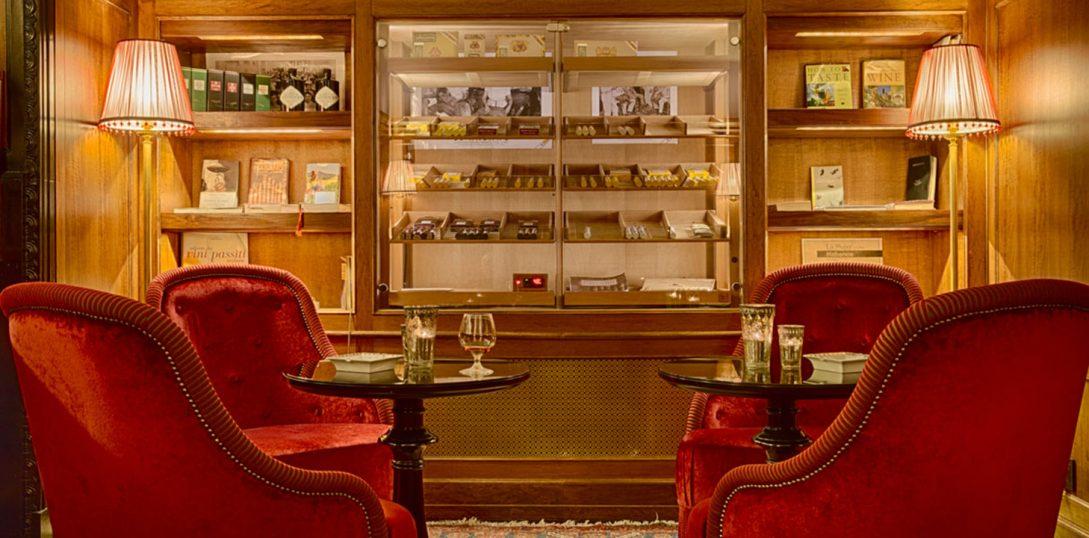 Villa Cora Cigar Room