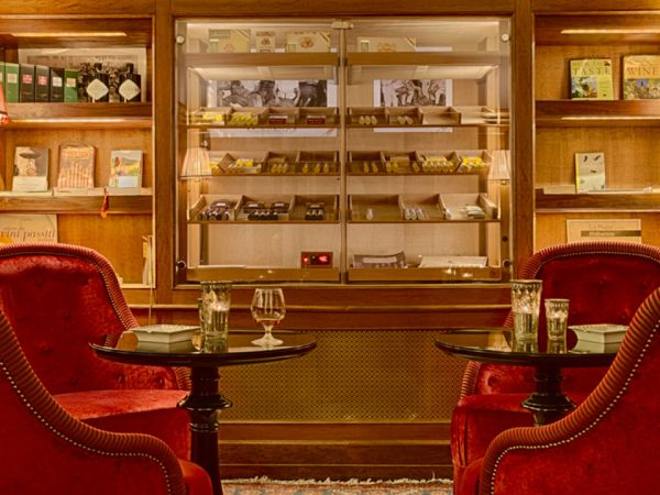 Villa Cora Cigar Room
