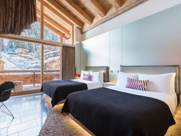 W Verbier Fabulous Guest Room, 2 Double, Mountain View, Fireplace, Balcony