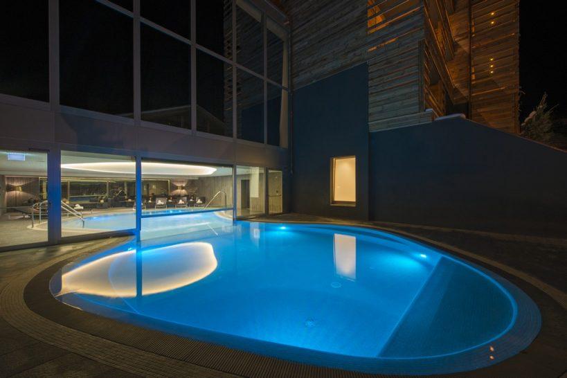 W Verbier Pool