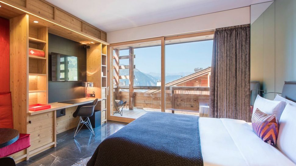 W Verbier Wonderful Guest Room, 1 King, Partial View, Fireplace, Balcony