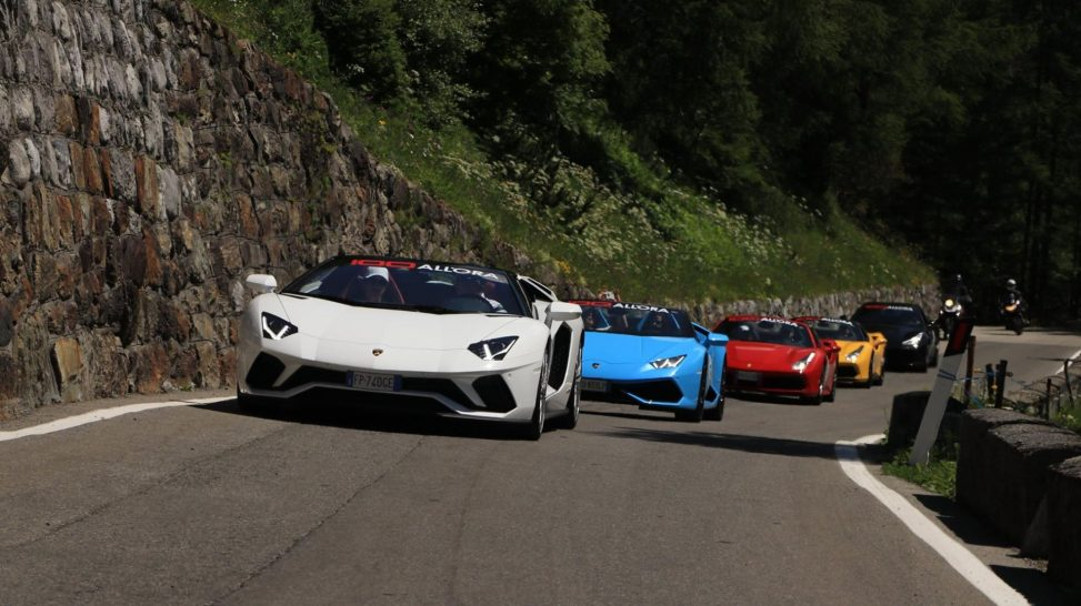 100 All'ora Supercar Tours in Italy