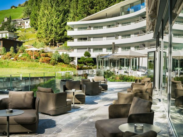 7132 Hotel Exterior (2)