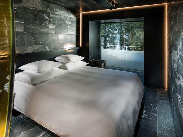 7132 Hotel Mayne Stone