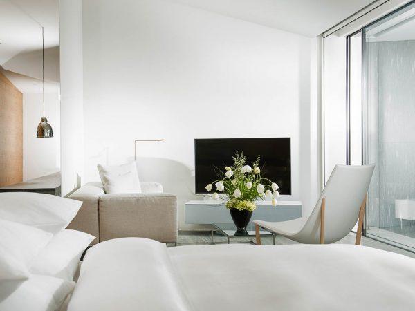 7132 Hotel Penthouse Suite