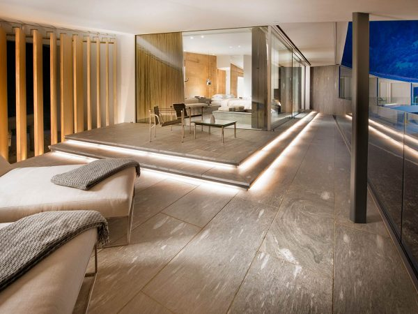7132 Hotel Presidential Suite