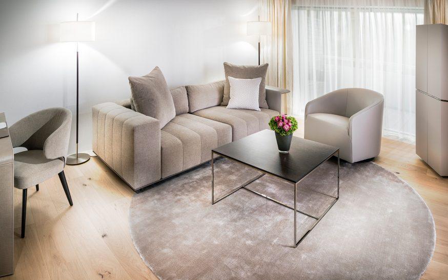 7132 Hotel Spa Suite