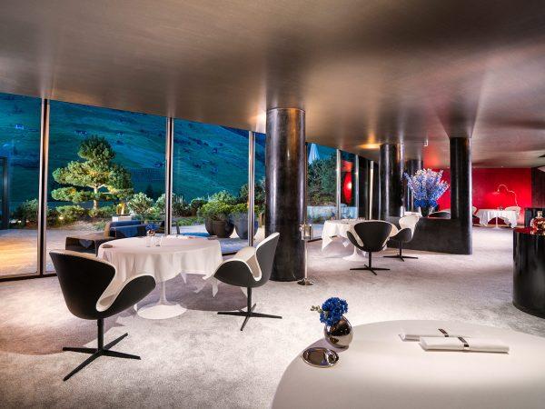 7132 Silver 7132 Hotel Restaurant