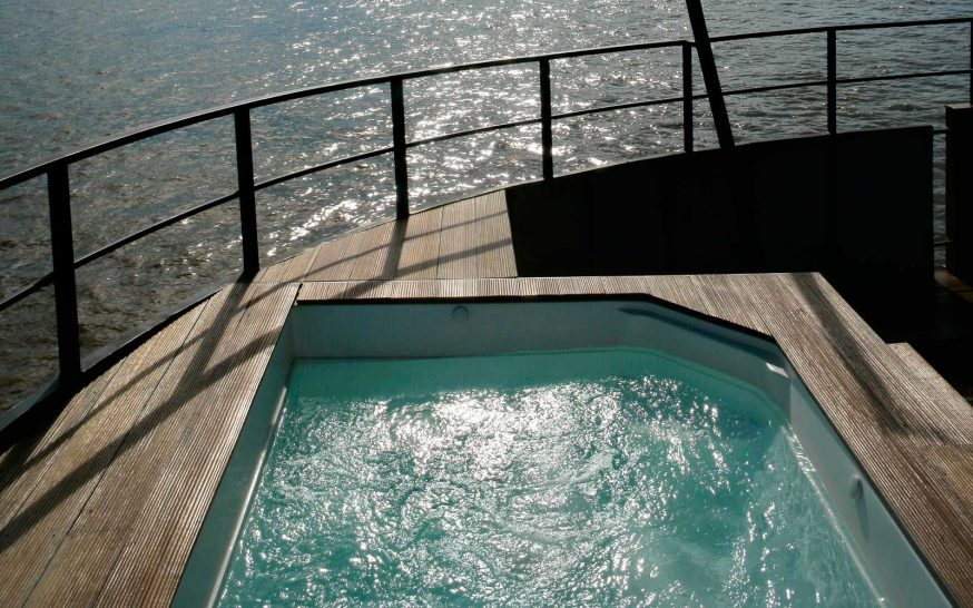 Aqua Expeditions Aria Amazon Jacuzzi