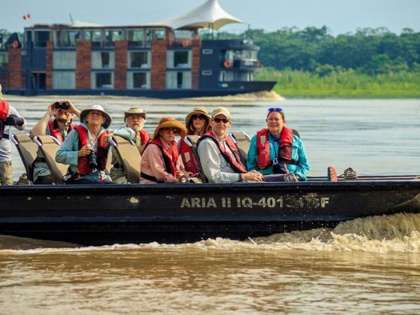 Aqua Expeditions Aria Amazon excursion