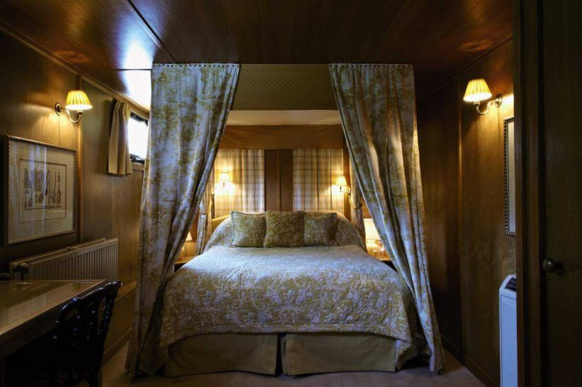 Belmond Afloat in France Fleur de Lys bedroom