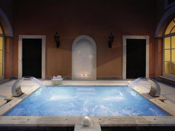 Gran Meli? Rome Indoor Pool