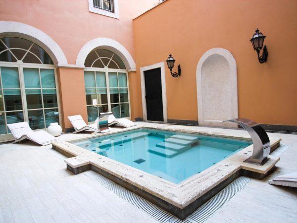 Gran Meli? Rome Lobby Pool