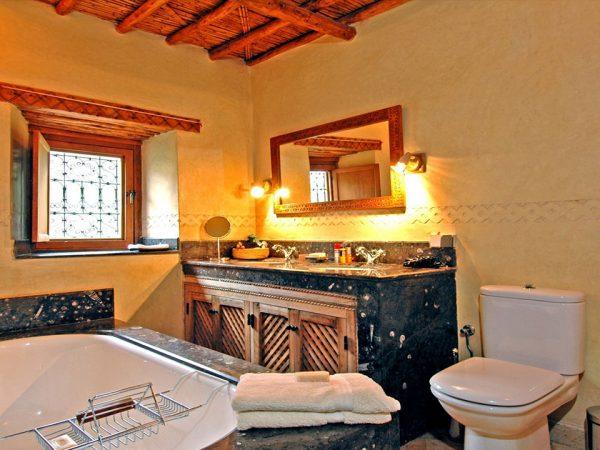Kasbah du Toubkal Bathroom