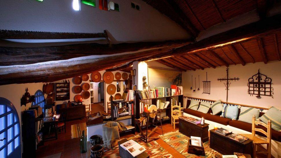 Su Gologone Experience Hotel, Oliena Library