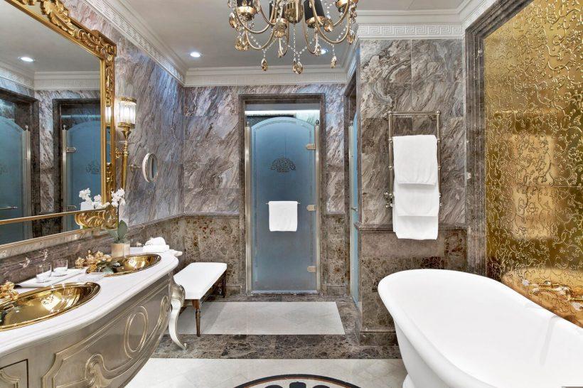 The St. Regis Moscow Nikolskaya Royal Suite Bathroom