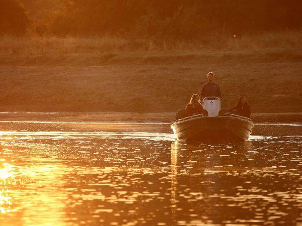 Time and Tide Chinzombo Boating safaris