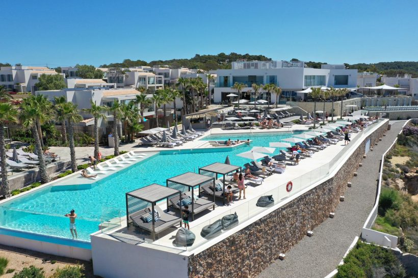 7Pines Kempinski Ibiza Pool