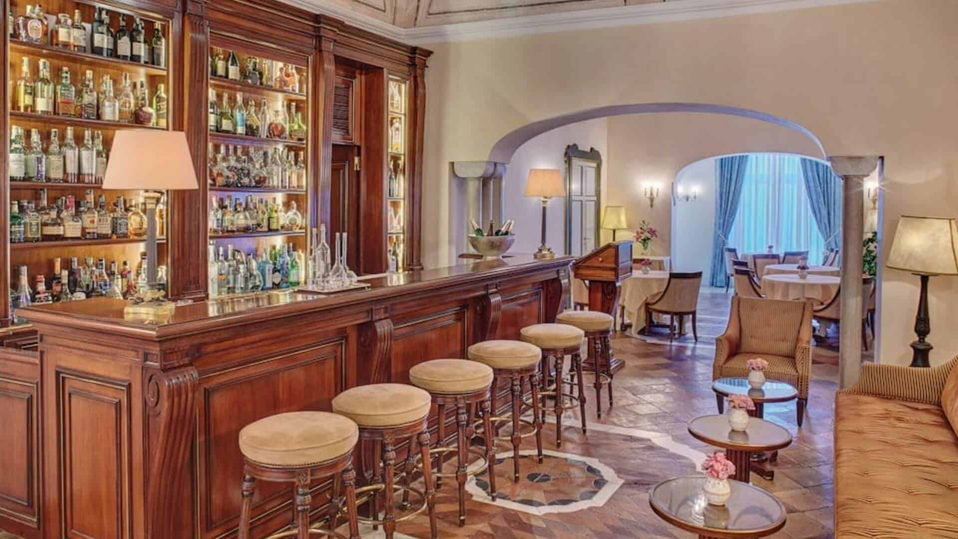 Belmond Hotel Caruso Arcade Bar