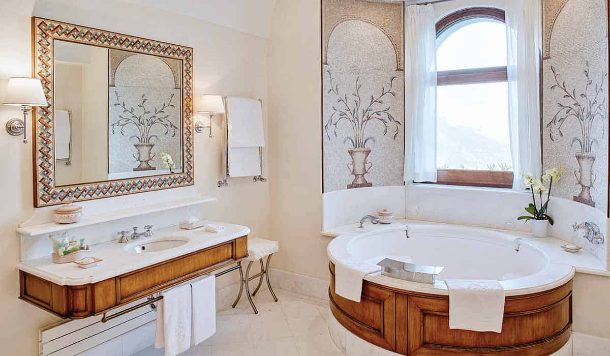 Belmond Hotel Caruso Suite Bathroom