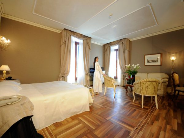 Ca'Sagredo Hotel Grand Canal Junior Suite