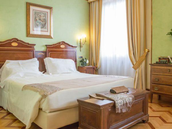 Due Torri Hotel Deluxe Room