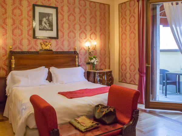 Due Torri Hotel Grand Deluxe Room
