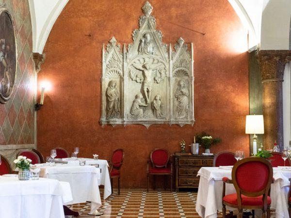 Due Torri Lounge & Restaurant