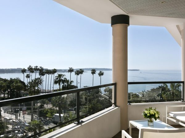 Hotel Barri?re Le Majestic Cannes Lobby View