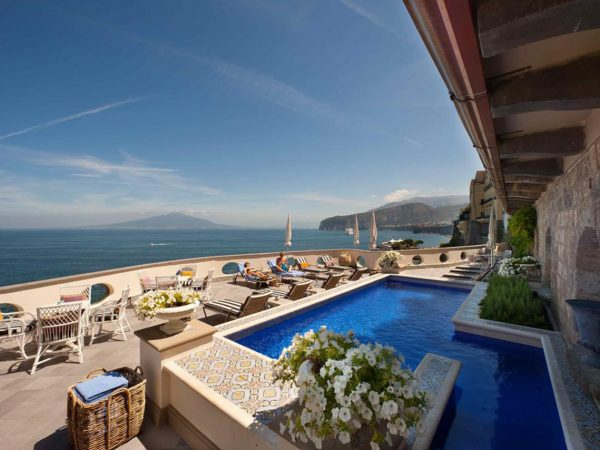 Hotel Bellevue Syrene Lobby Pool View