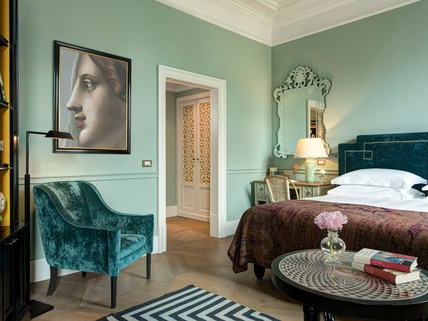 Hotel De La Ville Rome Deluxe Room