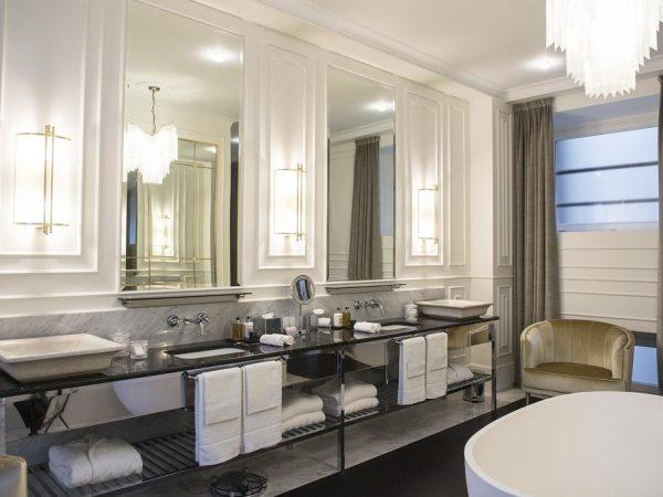 Hotel Vilon Rome Suite Bathroom