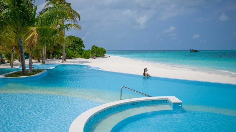 Intercontinental Maldives Maamunagau Resort Spa Pool