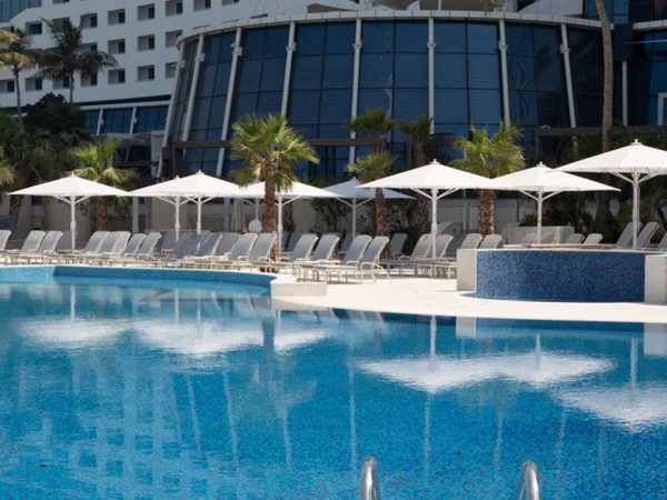 Jumeirah Beach Hotel Outdoor Pool