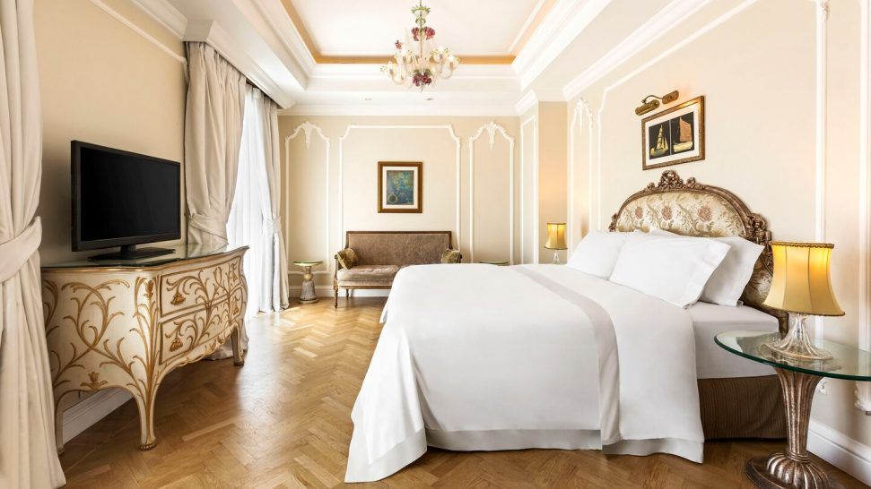 King George, a Luxury Collection Hotel, Athens Deluxe Guest room, 1 King, City view
