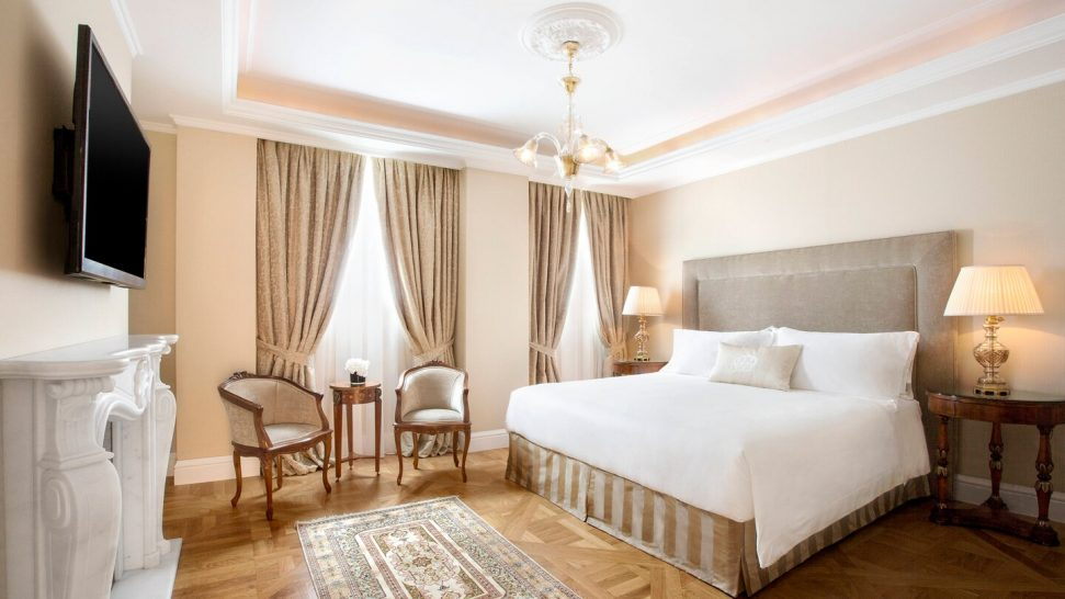 King George, a Luxury Collection Hotel, Athens Deluxe Suite 1 Bedroom Suite, 1 King, Courtyard view