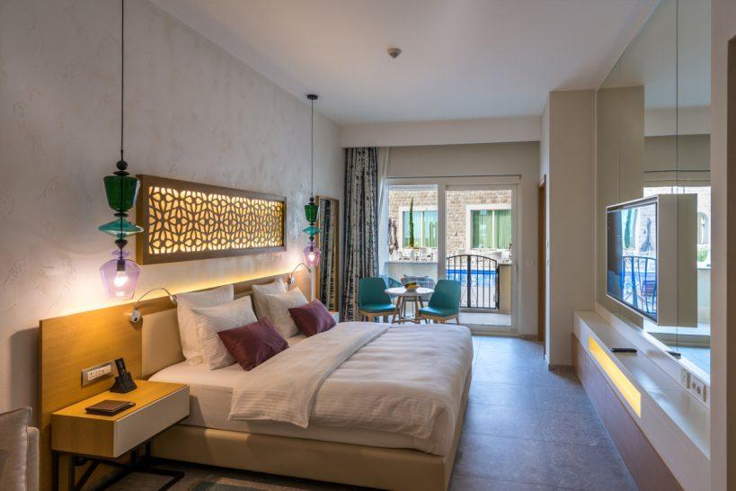 The Chedi Lustica Bay Grand Poolside Room