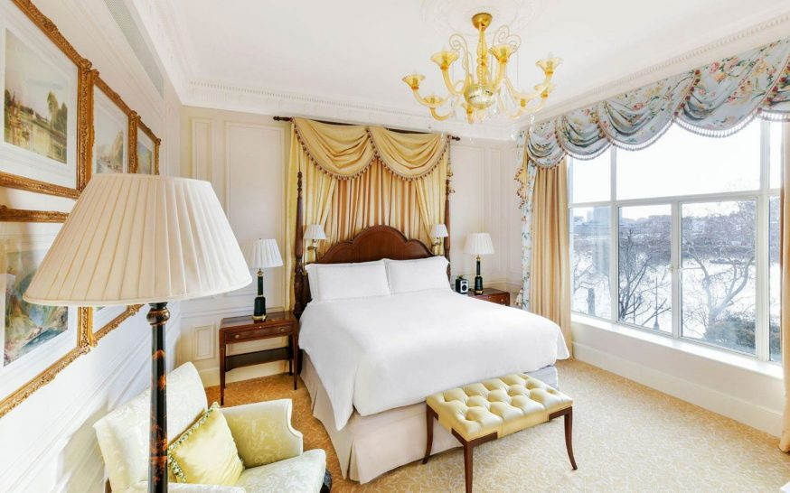 The Savoy Hotel London One-bedroom Suite River View