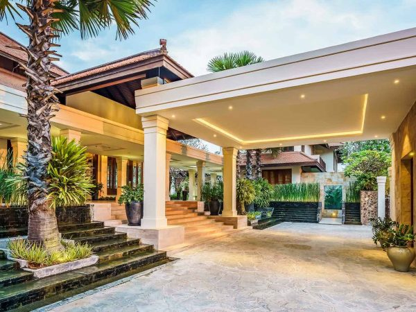 Anantara Angkor Resort Lobby