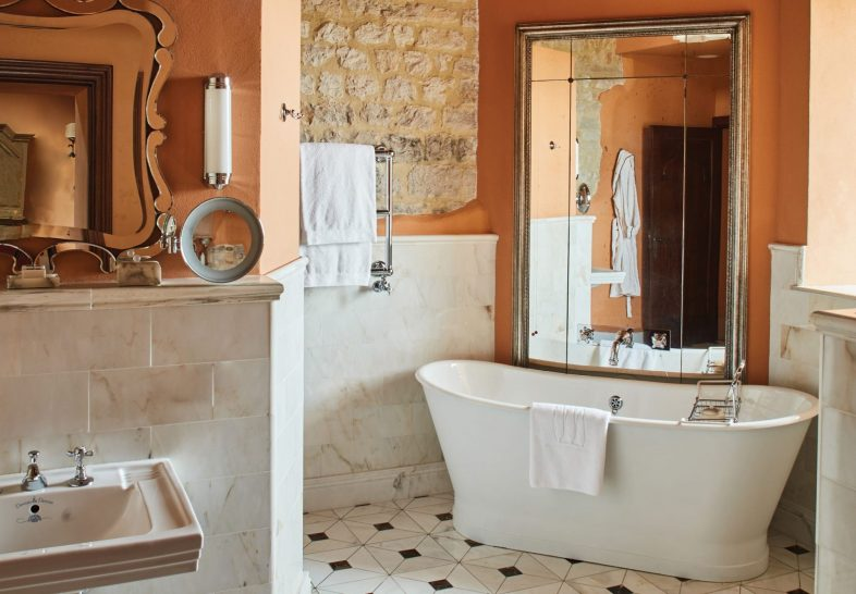 Belmond Castello di Casole Executive Jr Suite Bathroom