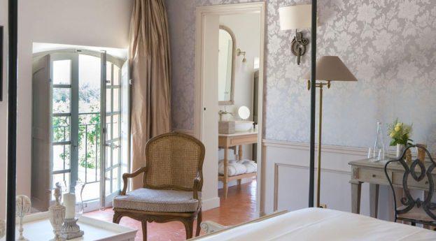 Ch?teau De Fonscolombe Superior Room