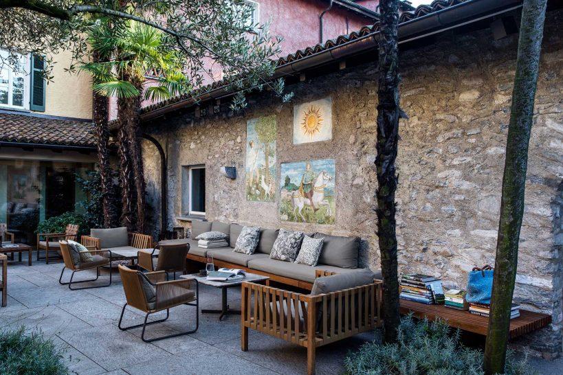 Cortile Barbarossa and Bassa Selim Bar