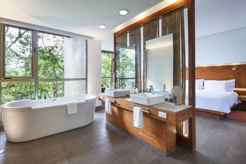 Mashpi Lodge Bathroom