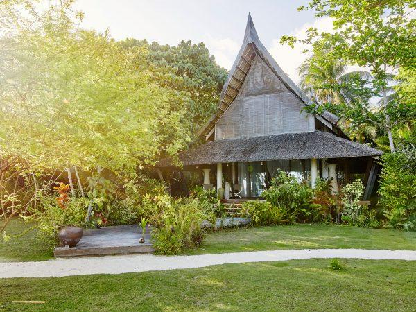 Nay Palad Hideaway Deluxe Villa Exterior