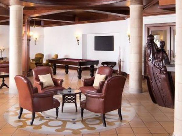 Pine Cliffs Hotel a Luxury Collection Resort Portulano Lobby Bar