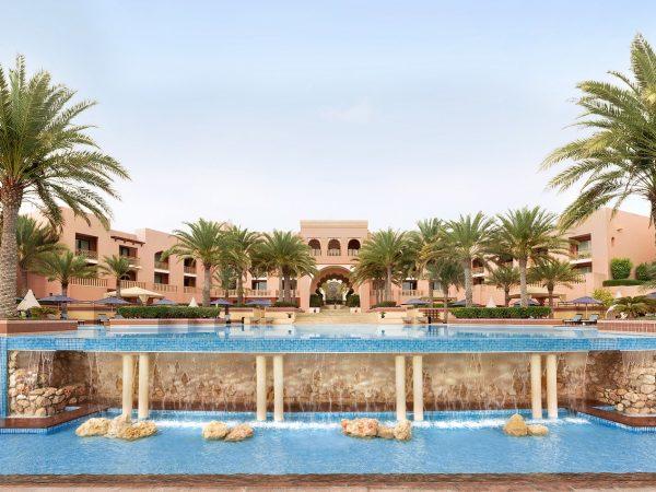 Shangri-La Al Husn Resort and Spa Infinty Pool
