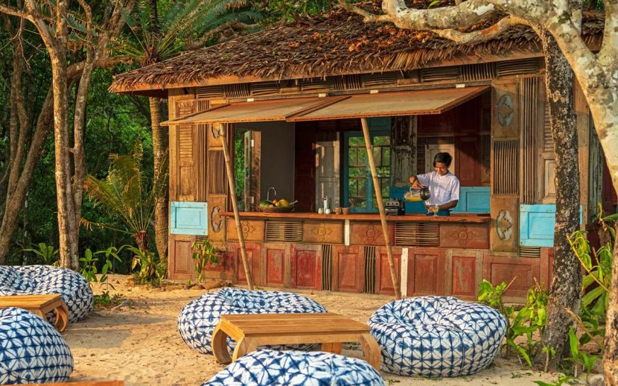 Wa Ale Island Resort Hotel bar